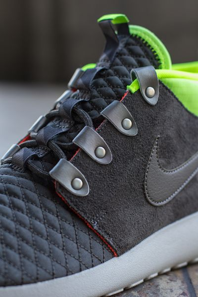 nike-roshe run mid-winter-volt_03