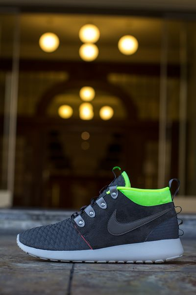 nike-roshe run mid-winter-volt_04