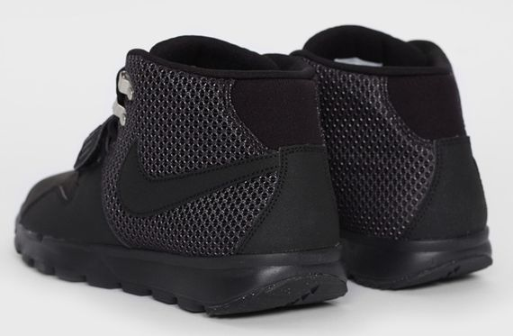 nike sb-trainerendor-blackout_03