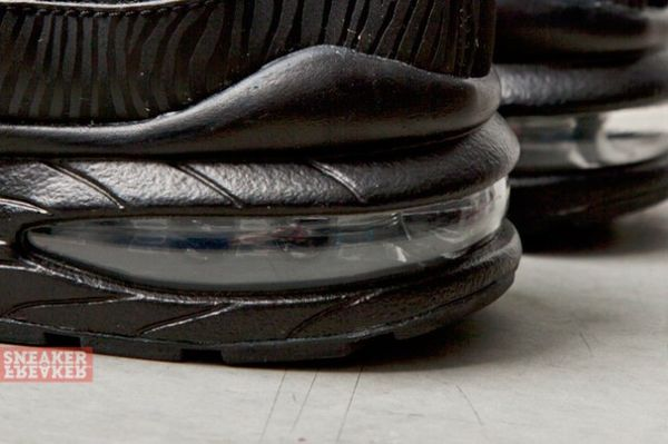 NIKE-AIR-MAX-95-GS-BLACK-SILVER-ANTHRACITE-1-640x426_result