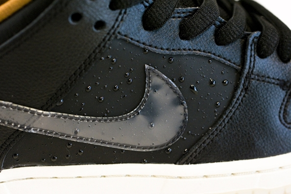 black-rain-nike-sb-dunk-low-01