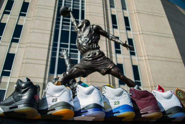 fredo-5-fives-collection-highlight-kream-united-center_10_result