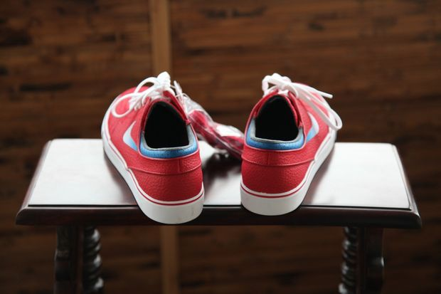 gym-red-janoski_03