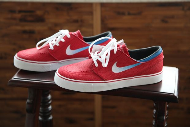 gym-red-janoski_04