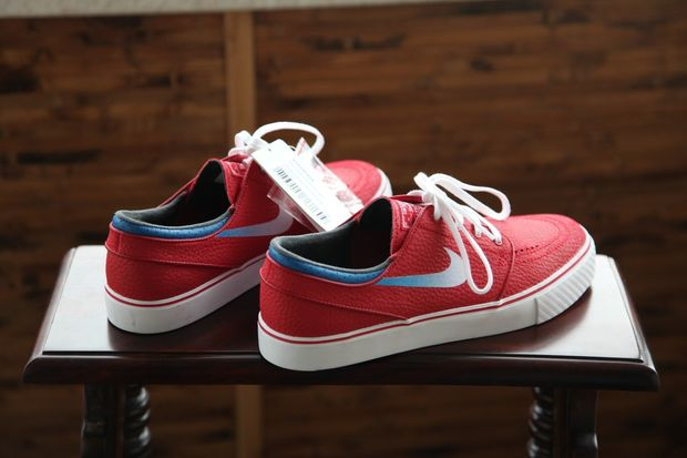 gym-red-janoski_05