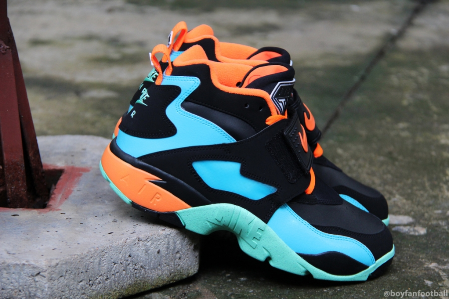 nike-air-diamond-turf-black-blue-orange-mint-04