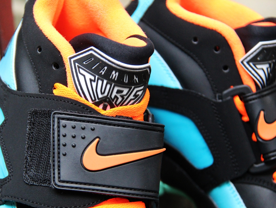 nike-air-diamond-turf-black-blue-orange-mint