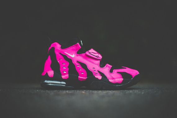 nike-air diamond turf max 96-vivid pink