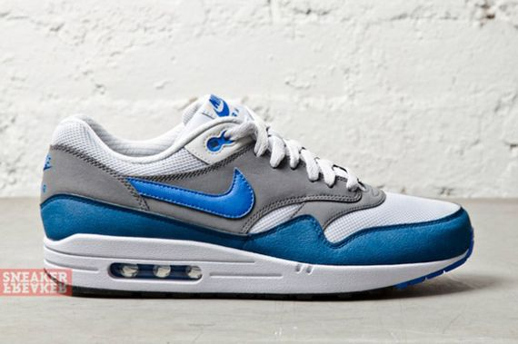 nike-air max 1-essential-prize blue_04