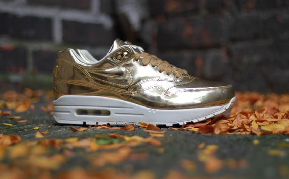 nike-air max 1-wmns-liquid gold