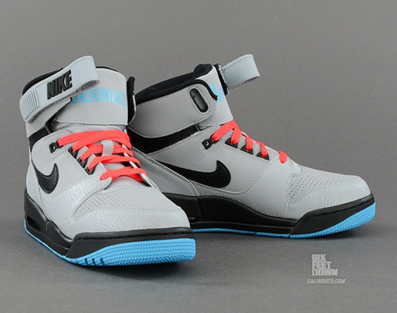 nike-air-revolution-silver-black-red-2-570x449