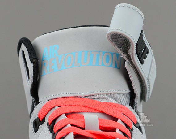 nike-air-revolution-silver-black-red-5-570x449