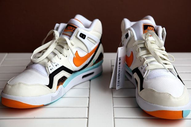 nike-air-tech-challenge-ii-kumquat_05_result_result