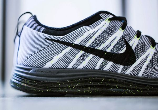 nike-flyknit-1-white-black-dark-grey-volt-2-570x399_result