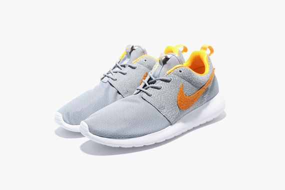 nike-roshe run-cement-size_02