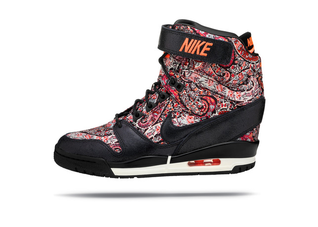 nike_air_revolution_sky_hi_03_large