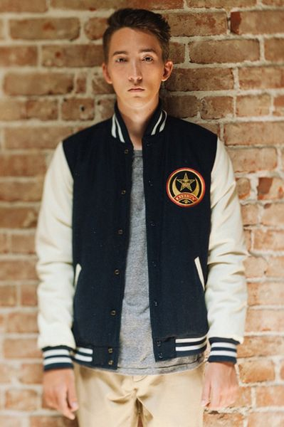 obey-holiday 2013_02