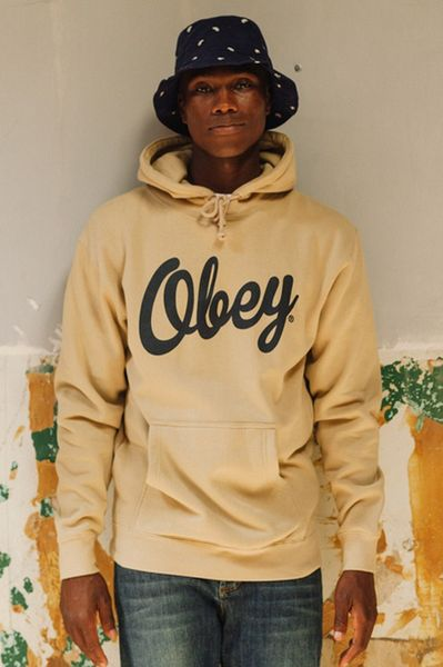 obey-holiday 2013_13