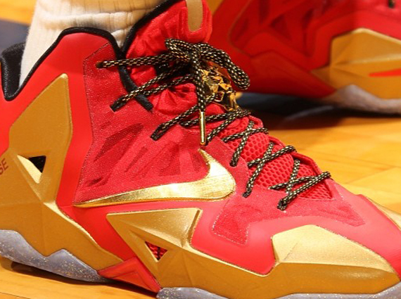 ring-ceremony-nike-lebron-11-pe-1