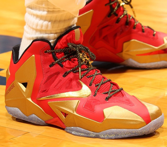 ring-ceremony-nike-lebron-11-pe-2