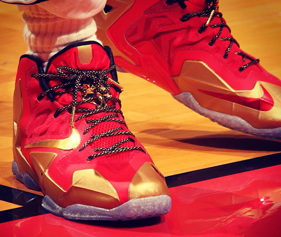 ring-ceremony-nike-lebron-11-pe-3