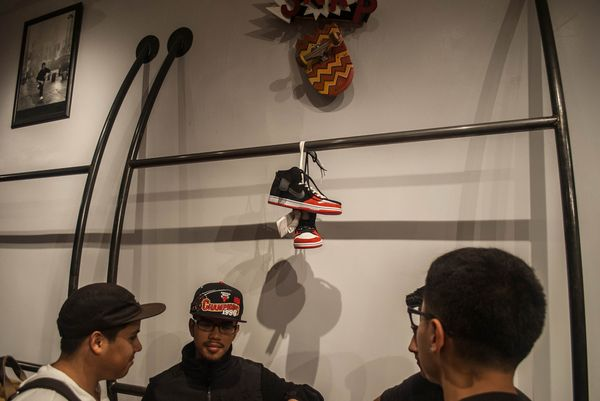 uprise-chicago-nike-sb-release-party-event_16_result
