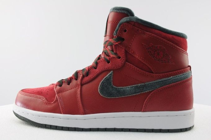 air-jordan-1-high-retro-premier-varsity-red-dark-army-05