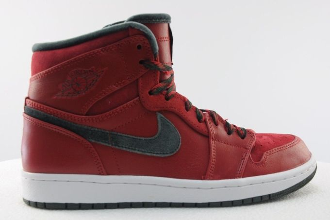 air-jordan-1-high-retro-premier-varsity-red-dark-army-09