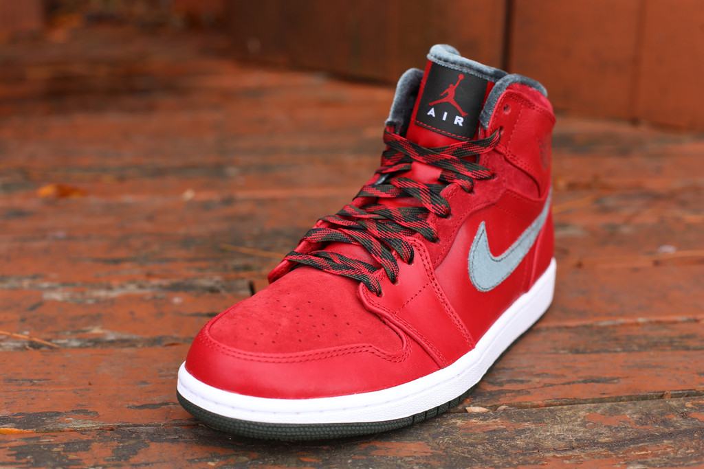 air-jordan-1-retro-high-premier-varsity-red-2