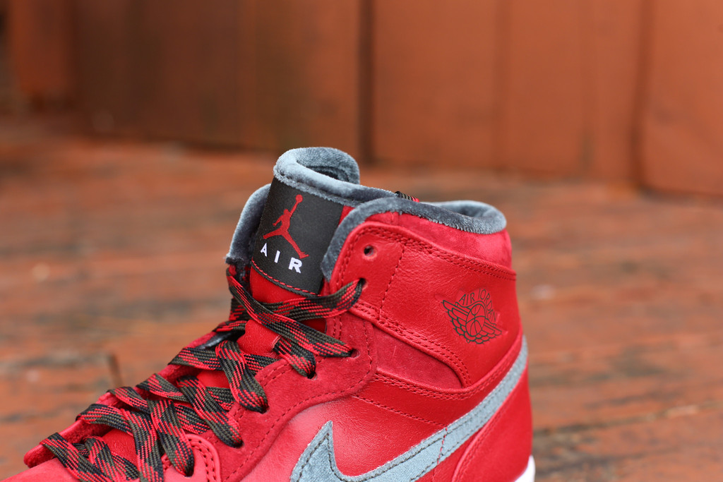 Air Jordan 1 Retro High Premier Varsity Red