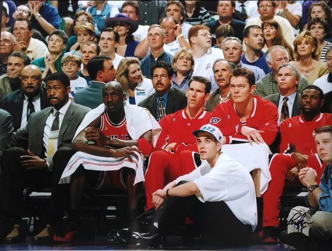air-jordan-12-flu-game_03