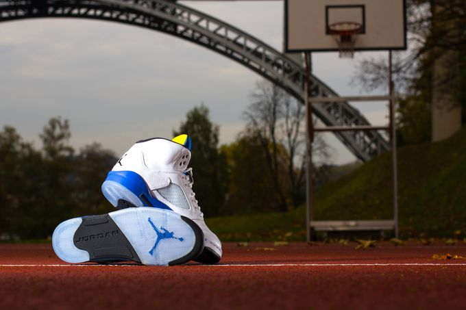 air-jordan-5-laney-retro_09