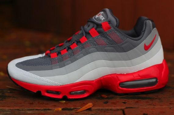 nike-air max 95-chilling red-nosew