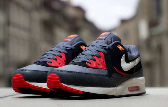 nike-air max light-black pine