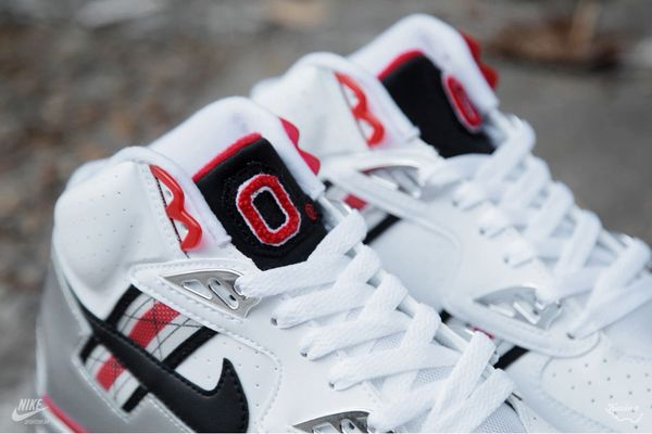 nike-air-trainer-sc-prm-qs-ohio-state-3