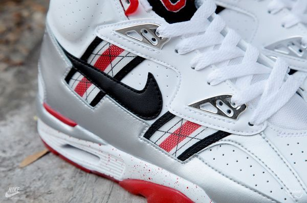 nike-air-trainer-sc-prm-qs-ohio-state-5