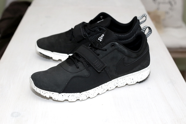 nike-trainerendor-black-01