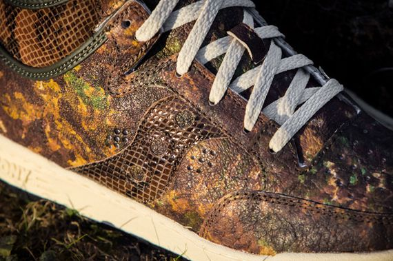 packer shoes-saucony-hangtime-woodland snake_11