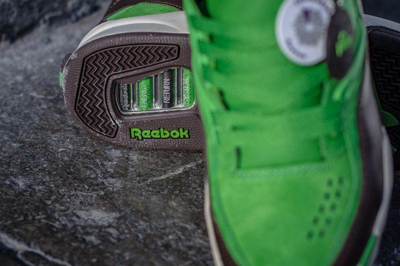 reebok-twighlight-pump-sneakersnstuff_07