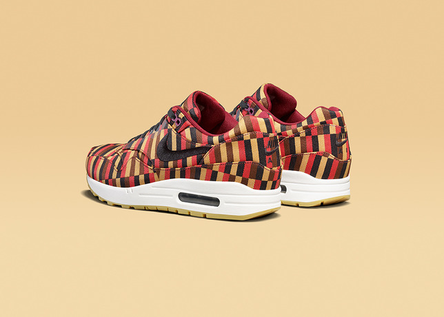 AIR_MAX_1_BLK_POM_rear34-16138_Lo_large