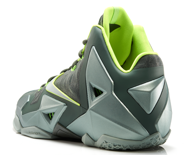 LeBron11_Neutral_300_back_13977
