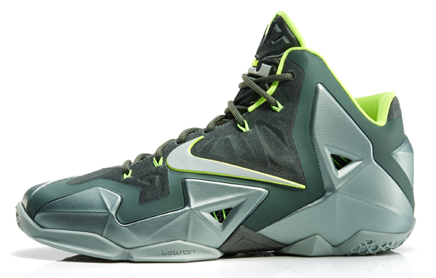 LeBron11_Neutral_300_profile_13451