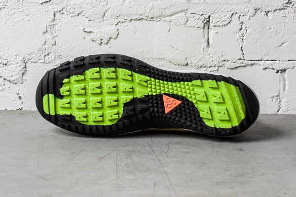 NIKE-ACG-LUNAR-INCOGNITO-BRIGHT-CITRON-MILITARY-BLUE-VOLT-1