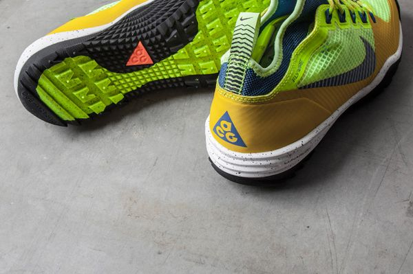NIKE-ACG-LUNAR-INCOGNITO-BRIGHT-CITRON-MILITARY-BLUE-VOLT