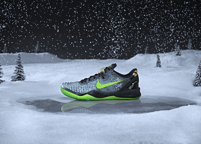 Nike_BBall_XMAS_KOBE_HERO_SNOW_large