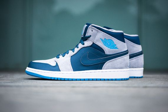 air jordan-1-mid-slate-powder