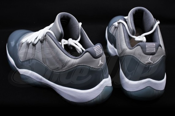 air-jordan-11-low-cool-grey-3-570x380