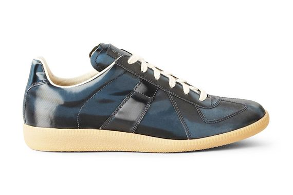 maison-martin-margiela-navy-metallic-leather-replica-sneakers-01_result