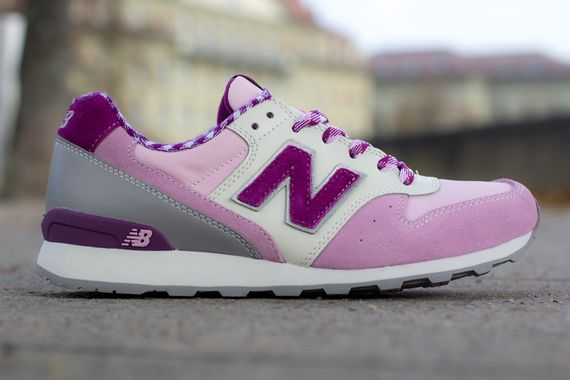 new balance-women-996-gingham_02