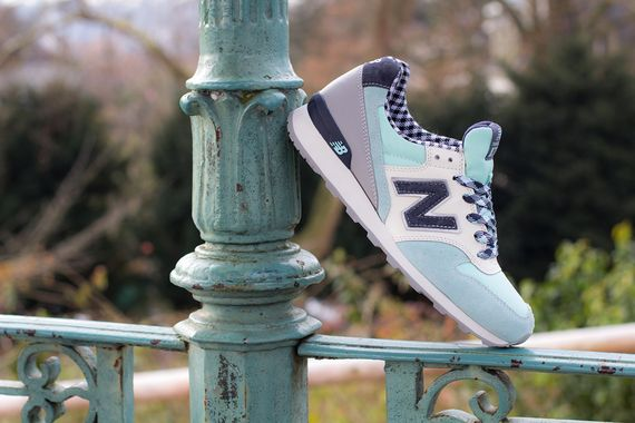 new balance-women-996-gingham_04